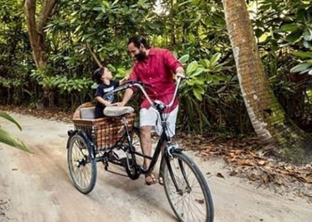 We bet you missed these pictures of Tamiur enjoying his vacay with folks Saif and Kareena