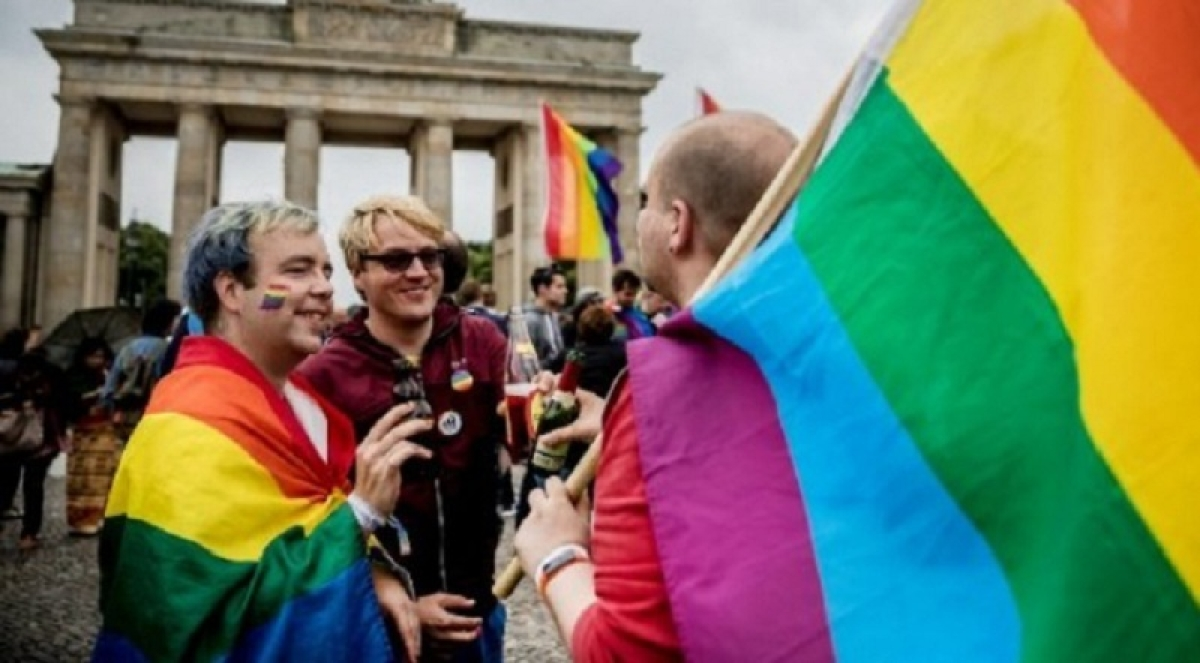 German House okays third gender identity for records