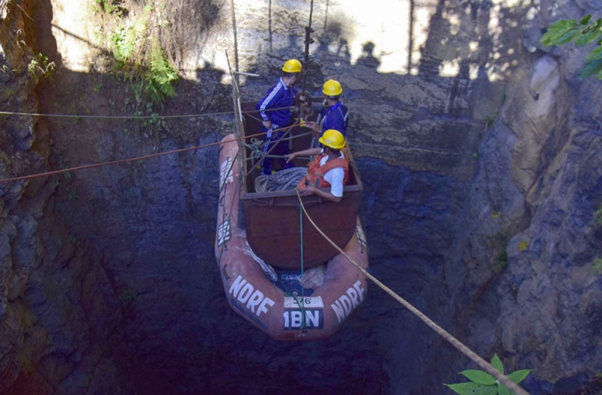 Body of one of 15 trapped Meghalaya miners found by naval divers