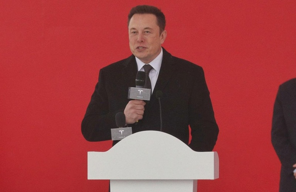 Elon Musk lays foundation of first Tesla plant in China
