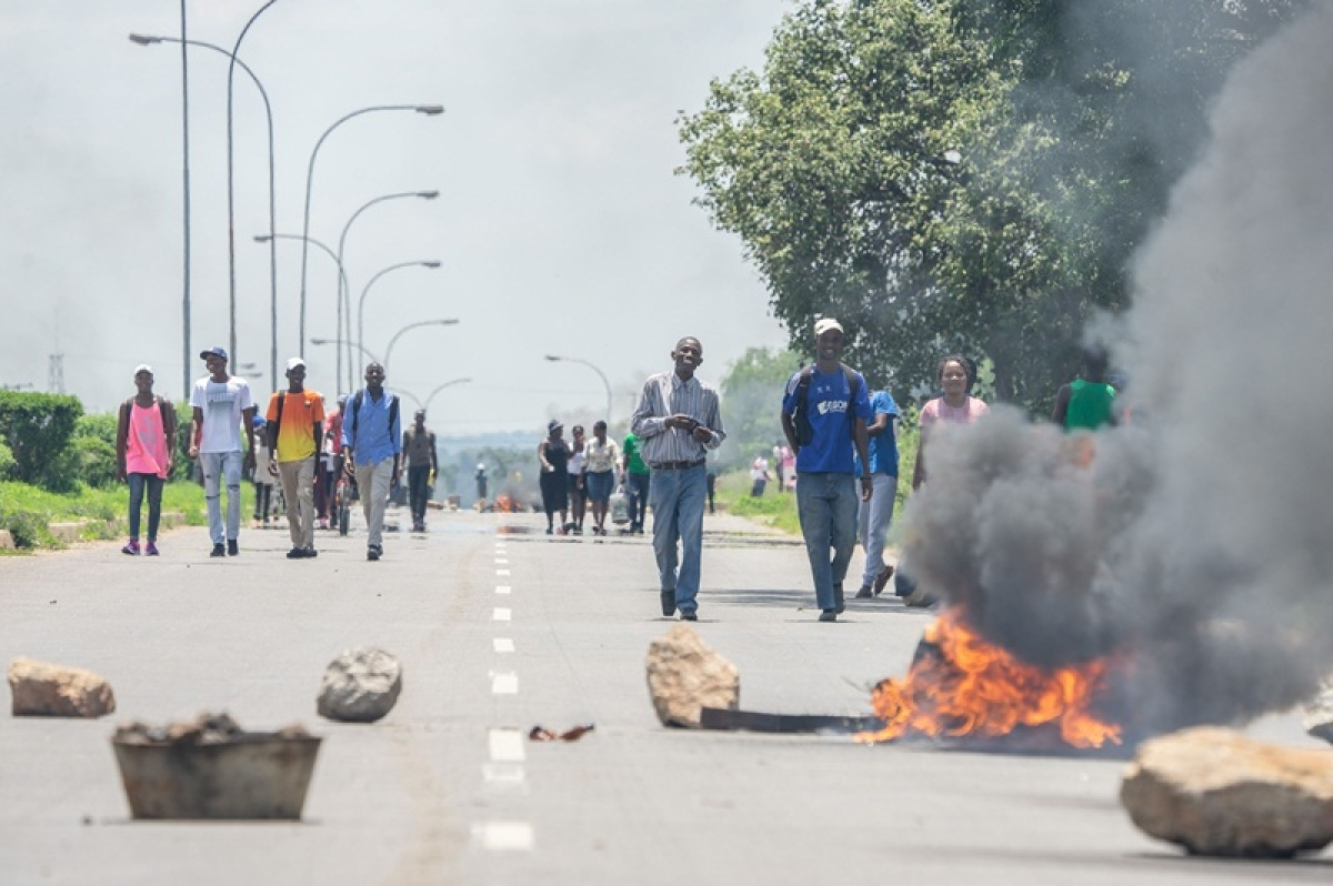 Zimbabwe erupts in anger after 150 percent fuel price hike announced