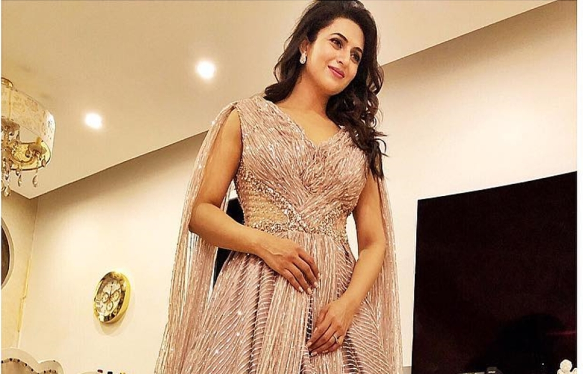 Divyanka Tripathiexcited to be solo anchor forreality show 'The Voice'