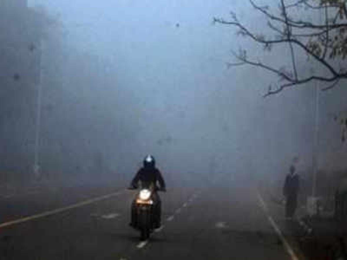Indore: Indoreans witness misty morning