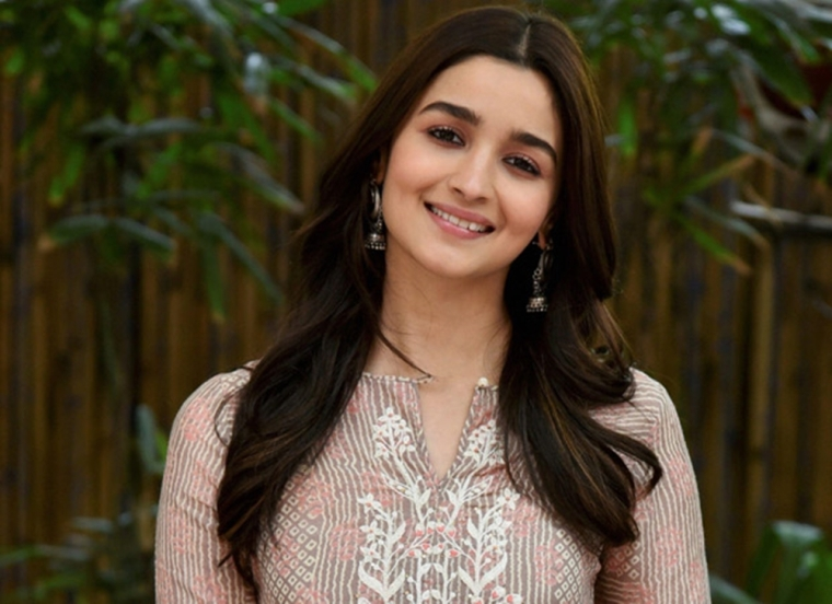 Alia Bhatt completed 300 squats in 7:20 minutes leaving our jaws on the floor