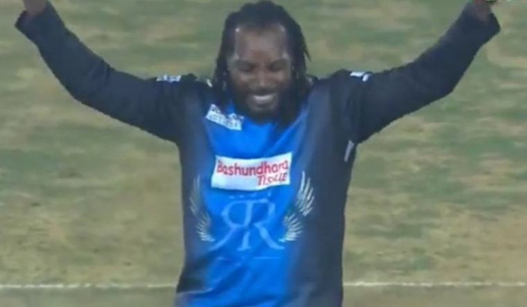 Any Body Can Dance! David Warner, Chris Gayle entertain fans with dance moves during BPL, check out video
