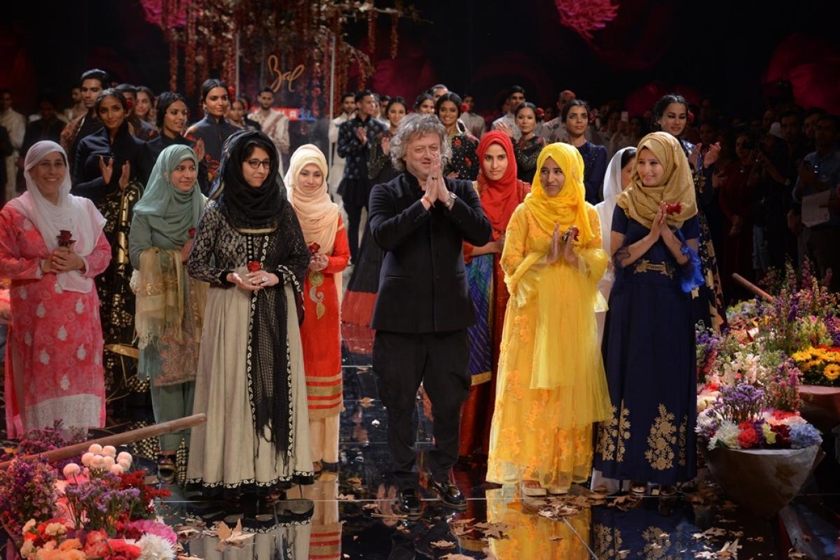 Designer Rohit Ballet Kashmiri women take the spotlight at Lakme Fashion Week