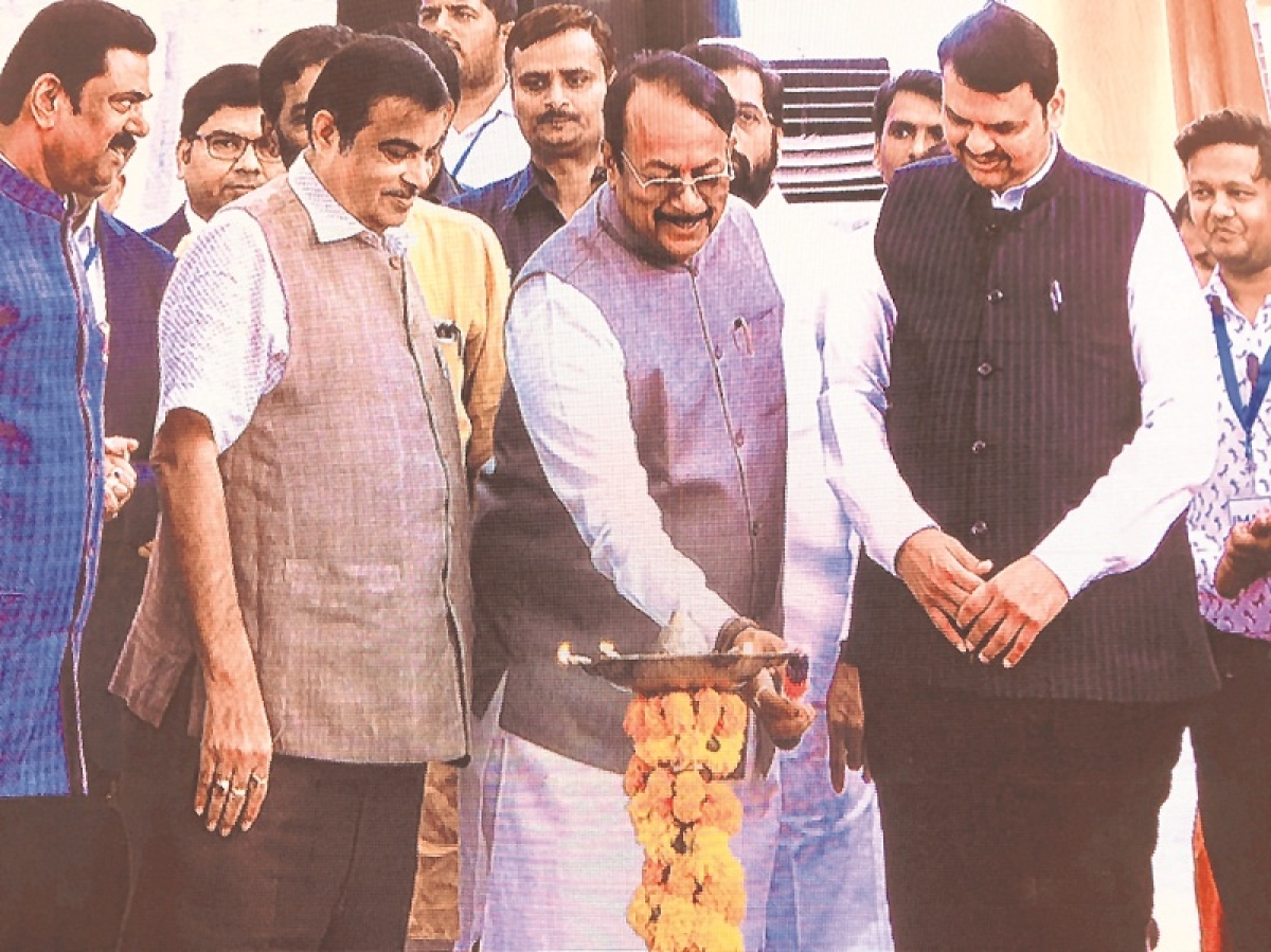 Nitin Gadkari launches Rs 1,600 crore road projects