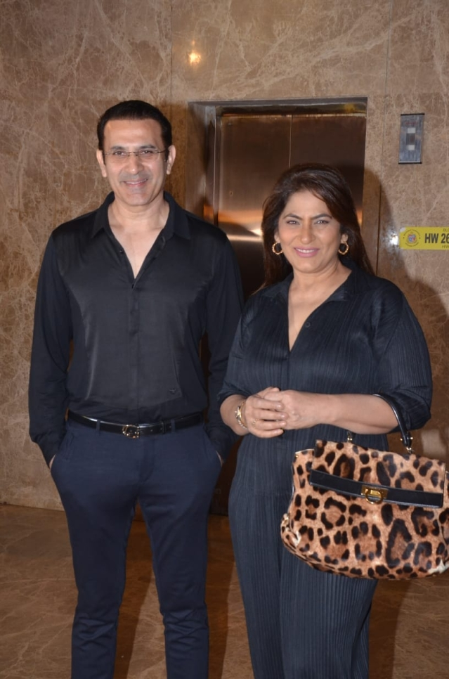 Archana Puran Singh along with husband Parmeet Sethi<br />Pic courtesy: Viral Bhayani