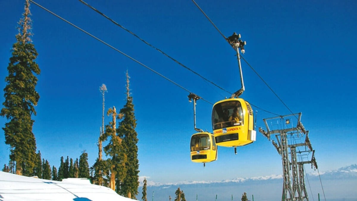 2 killed, 4 injured in Jammu ropeway project cable car crash, days before its inauguration by PM Modi
