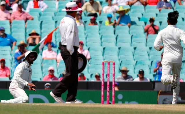 Spirit of Cricket! Umpire applauds KL Rahul for not claiming low catch during Sydney Test; watch video