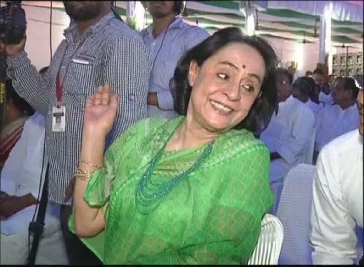 Gita Mehta declines to accept Padma Shri citing poll year