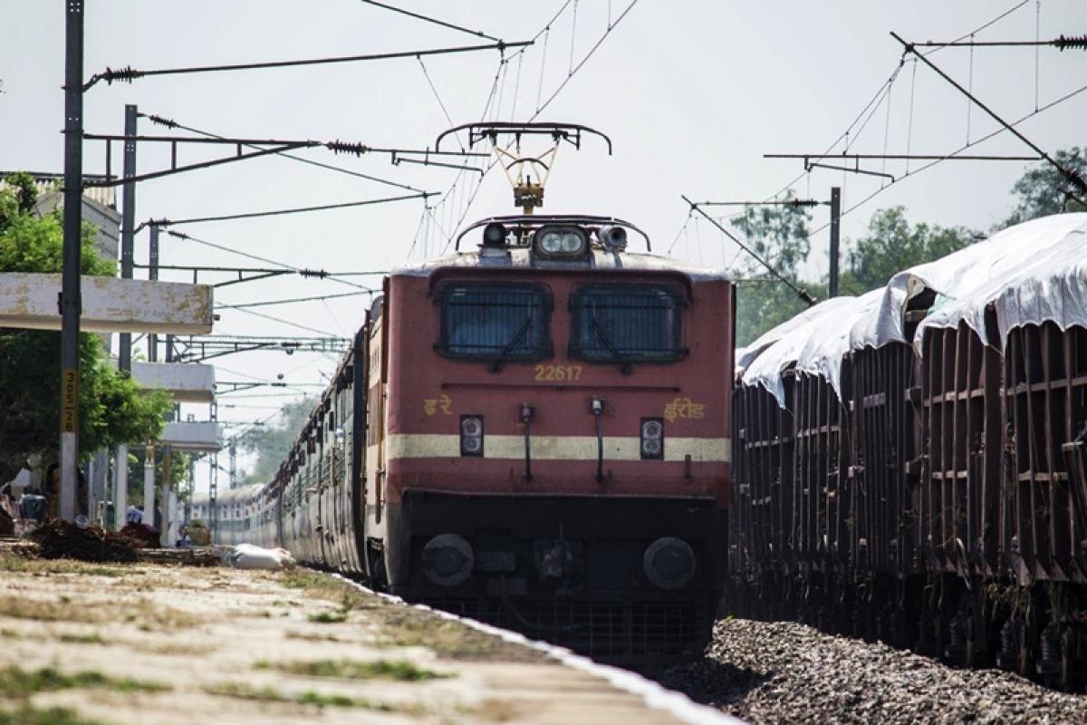 Amid tensions with India, Pakistan suspends Samjhauta Express train service