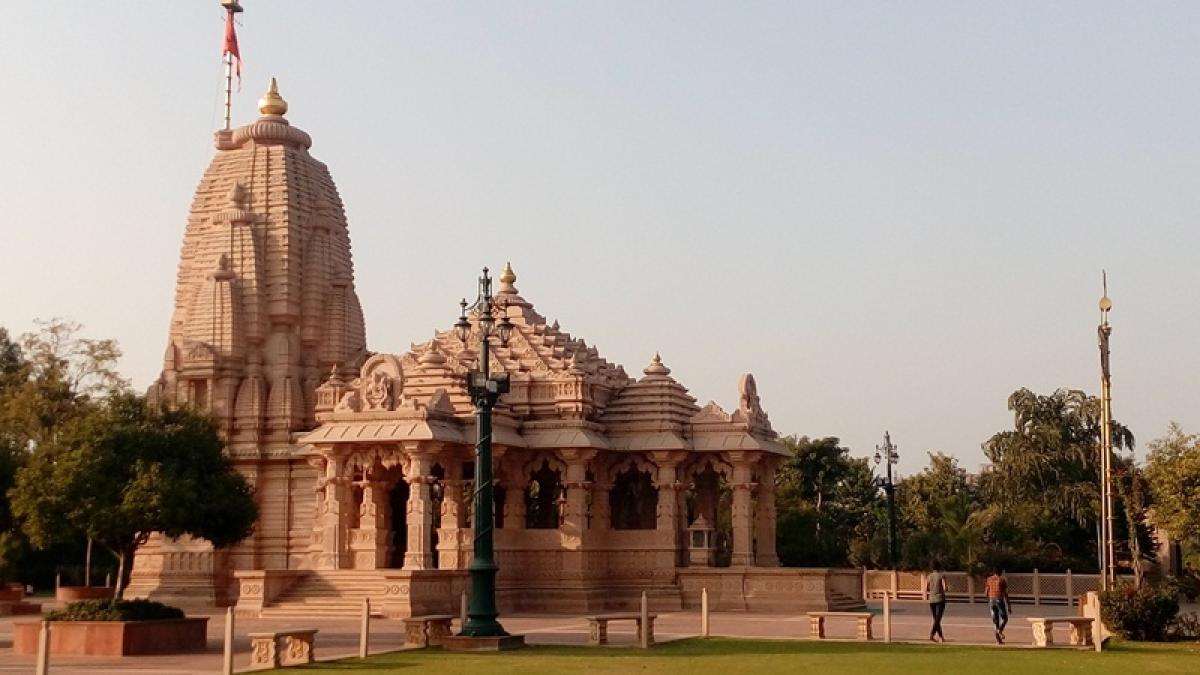 Hindu temple vandalised in Bangladesh during clashes