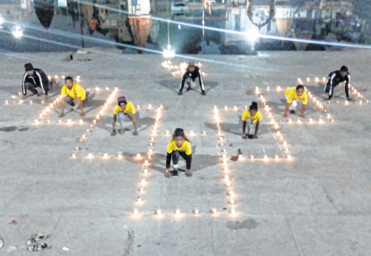 Ujjain: National Youth Day: Thousands perform Surya Namaskar