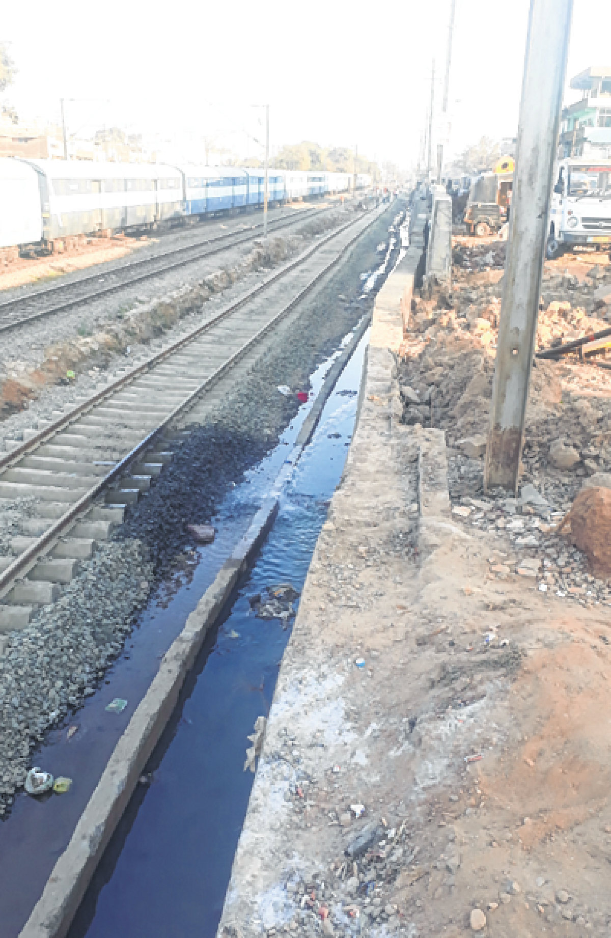 Bhopal: Railway, BMC shift blame as  wastage of water continues