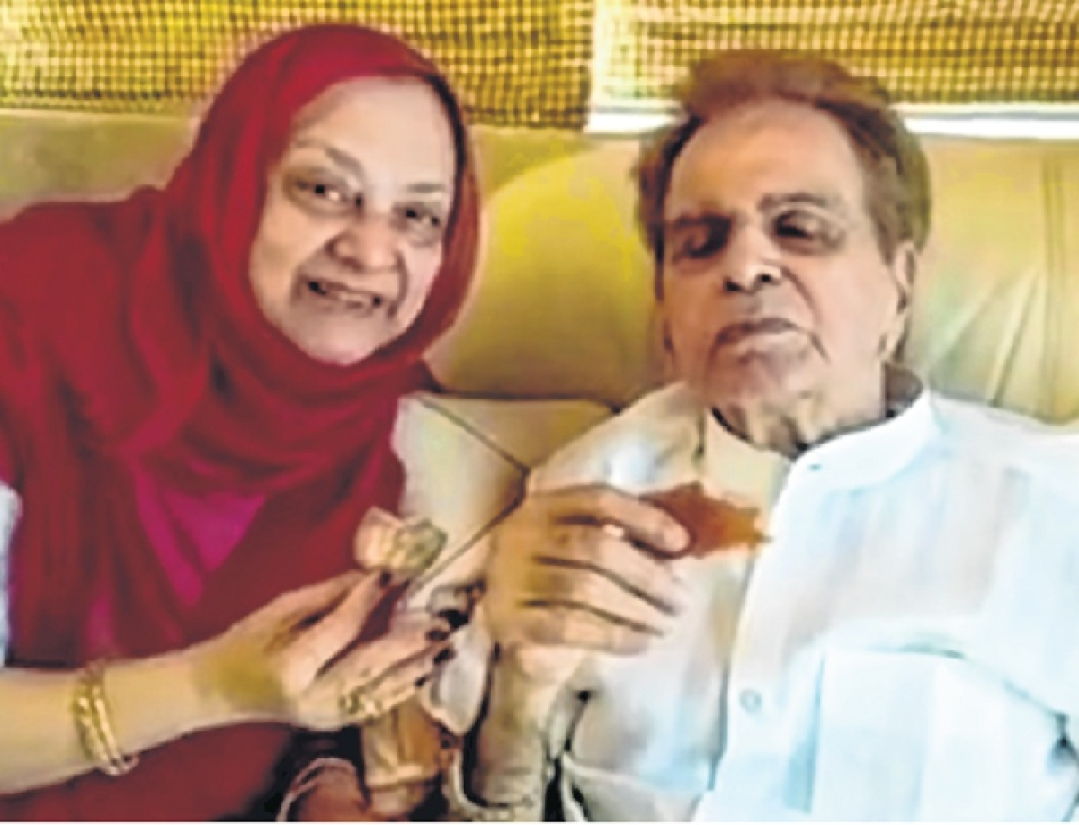 Dilip Kumar, Saira Banu seek 200 crore in damages