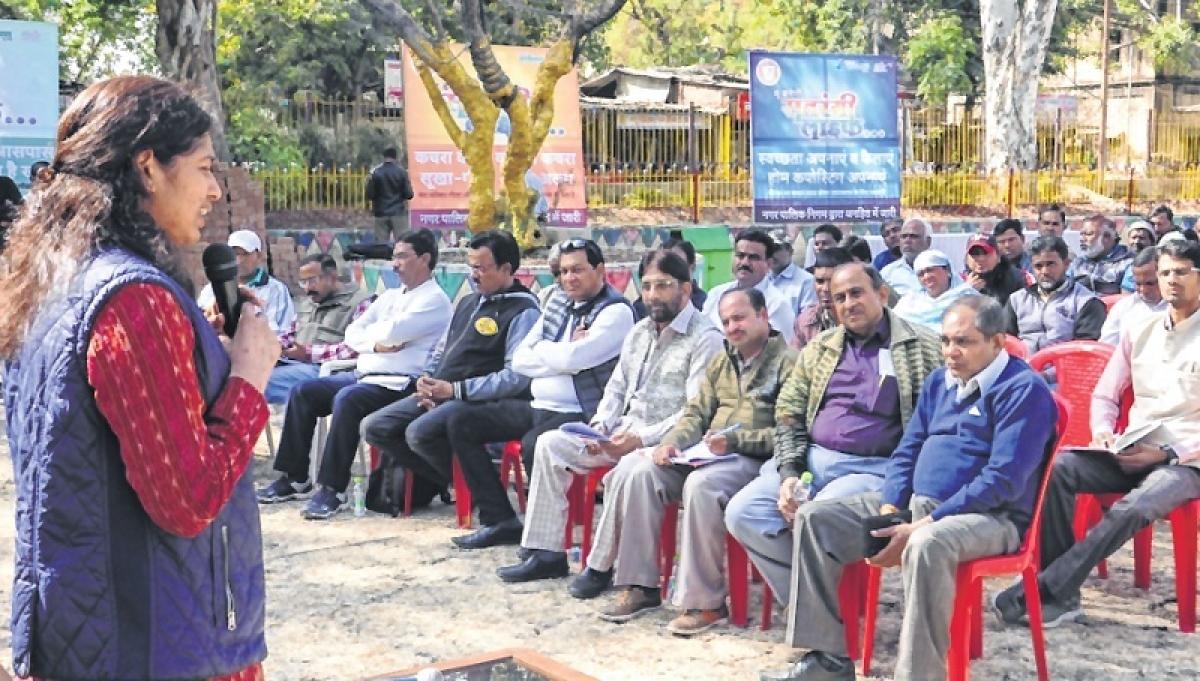 Indore: Commissioner motivates staffers for Swachhta Survekshan-2019