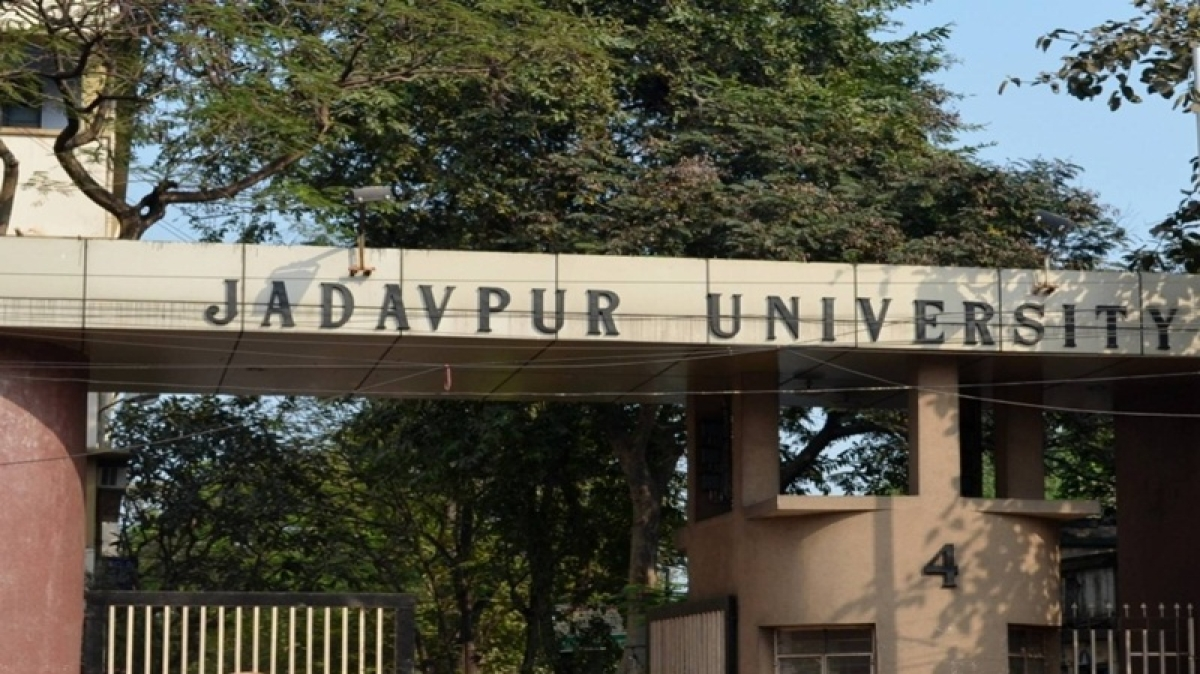 Jadavpur University professor draws flak for comparing virgin girl to 'sealed bottle'