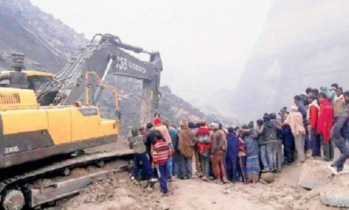 One killed as mine roof collapses during illegal mining
