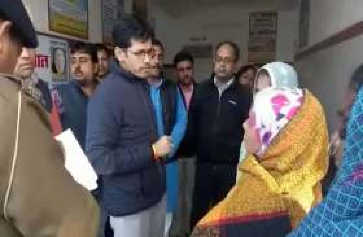 Ujjain: Collector fumes over poor state of cleanliness in Charak Hospital