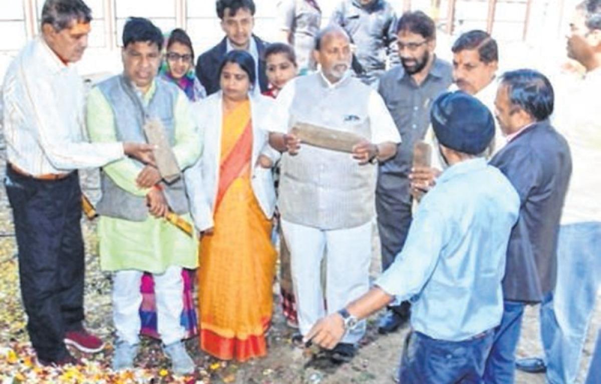 Ujjain: UMC incense sticks plant inspected by MLAs, mayor