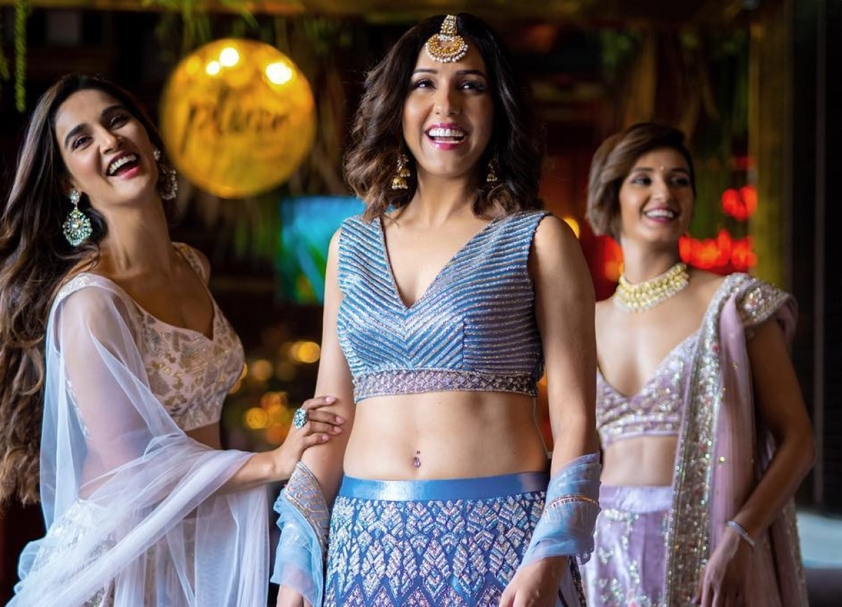Not without my Mohans! Bridal entourage of Neeti Mohan is a stylish sisterly affair; see pics