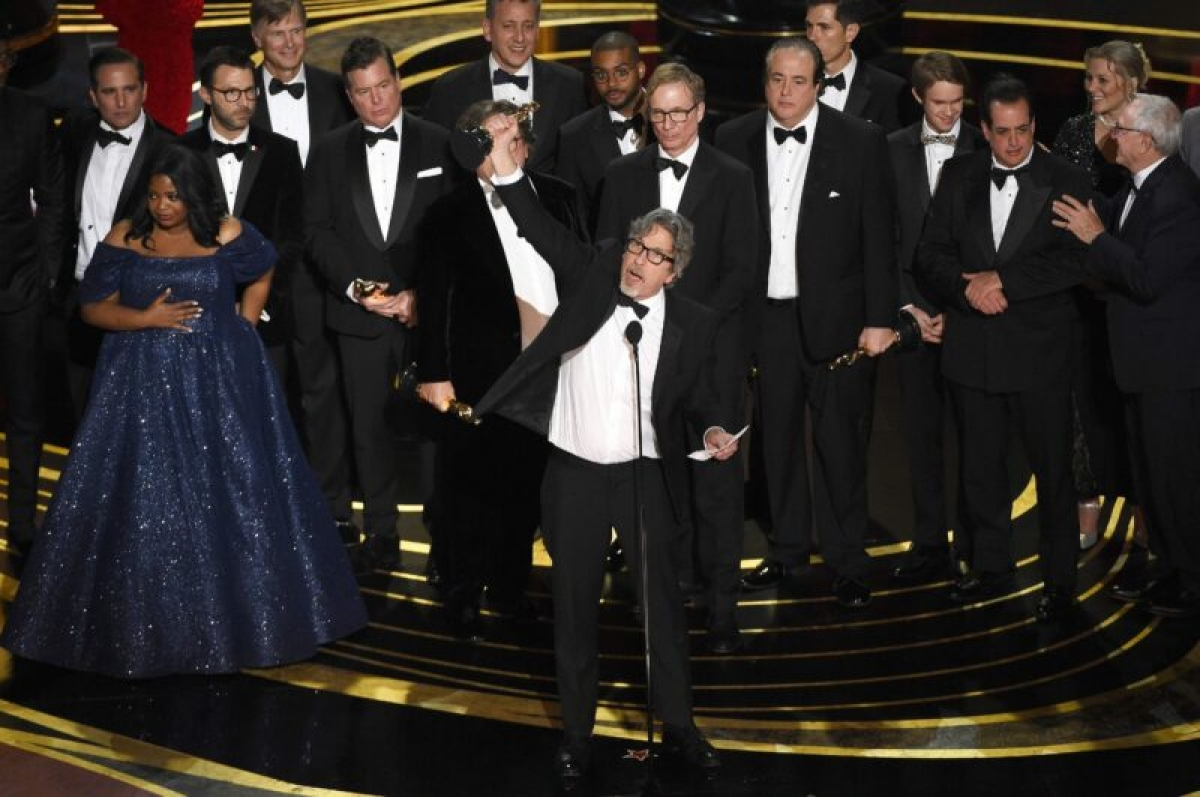 Green Book surprises as Best Picture, halts Roma wave