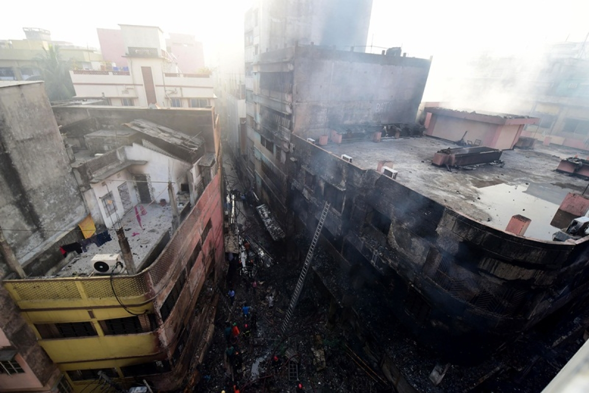 Bangladesh: 69 killed as major fire breaks out in Dhaka