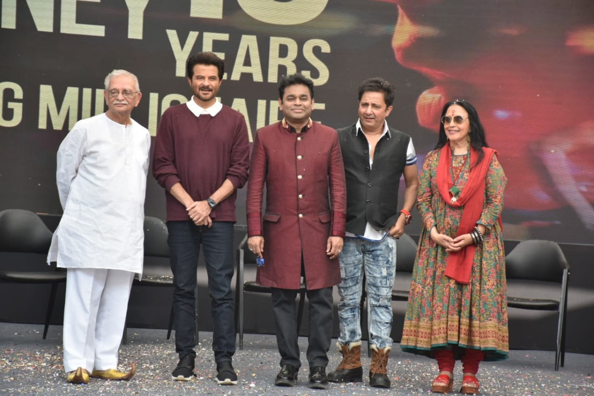 From L-R: Gulzar, Anil Kapoor, A. R. Rahman, Sukhwinder Singh and Ila Arun (Pic courtesy: Viral Bhayani)