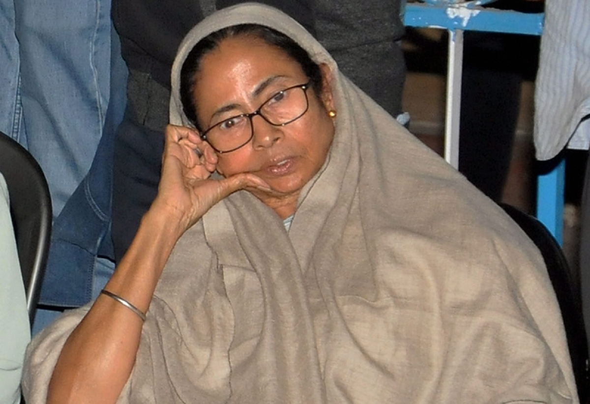 Centre may strip medals off top Bengal police officials for participating in Mamata Banerjee's dharna