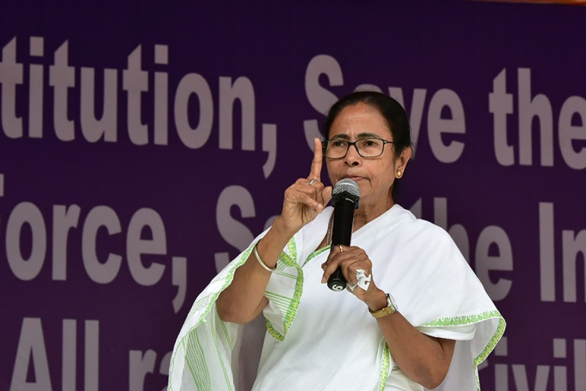 Govt allowed Pulwama attack to happen so that they can play politics over dead body of soldiers in Lok Sabha polls: Mamata Banerjee