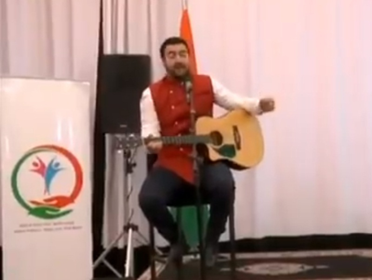 Moroccan singer sings Mahatma Gandhi's favourite bhajan 'Vaishnav Jan To Tene Kahiye' during Sushma Swaraj's visit