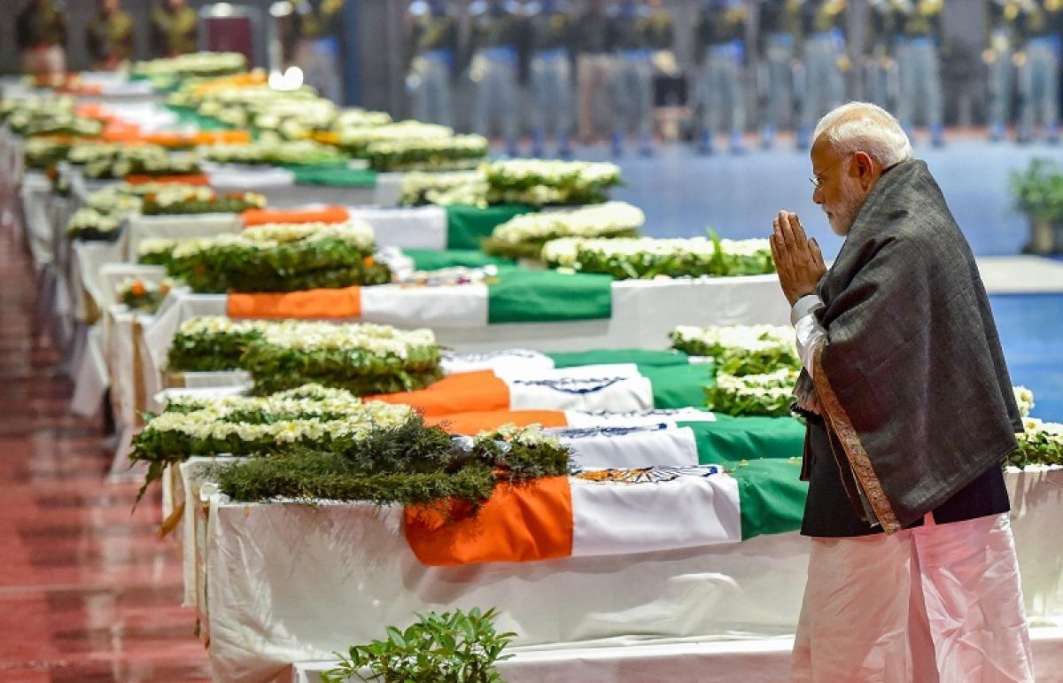 Pulwama terror attack: PM Modi, Rahul Gandhi join in bipartisan salute