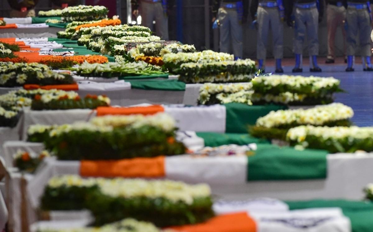 Last rites of slain CRPF jawan performed in Uttar Pradesh