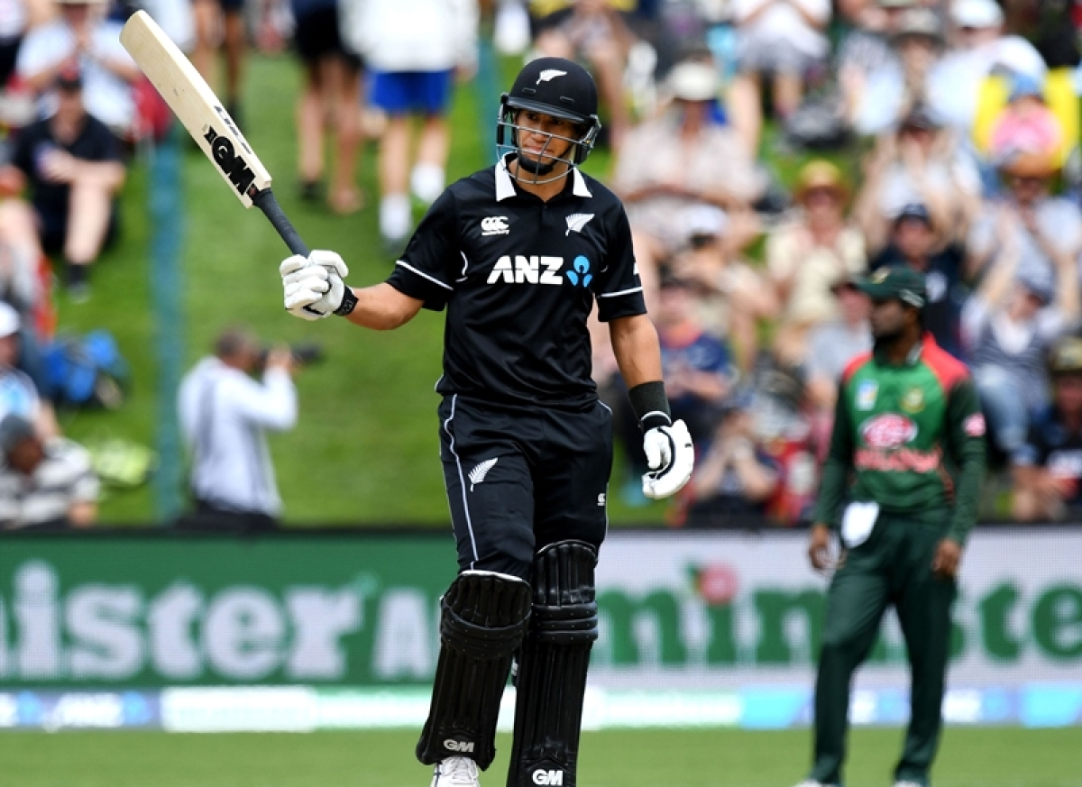 Ross Taylor flies past Fleming, as Kiwis complete formalities