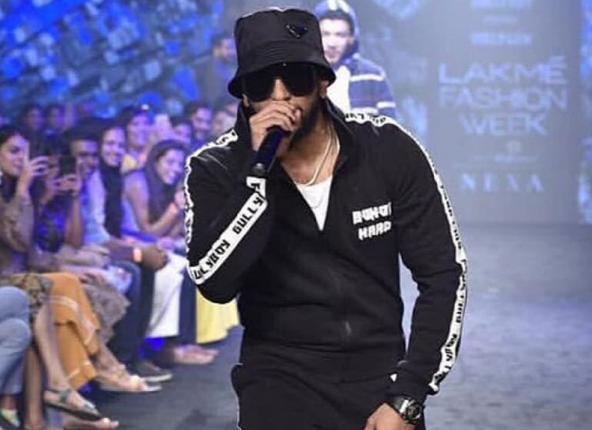 Ranveer Singh apologises after his crowd surfing act goes disastrously wrong