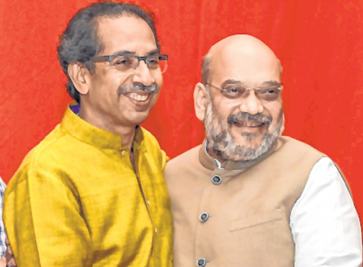 Maharashtra: BJP's ally Shiv Sena asks LK Advani's remarks at whom
