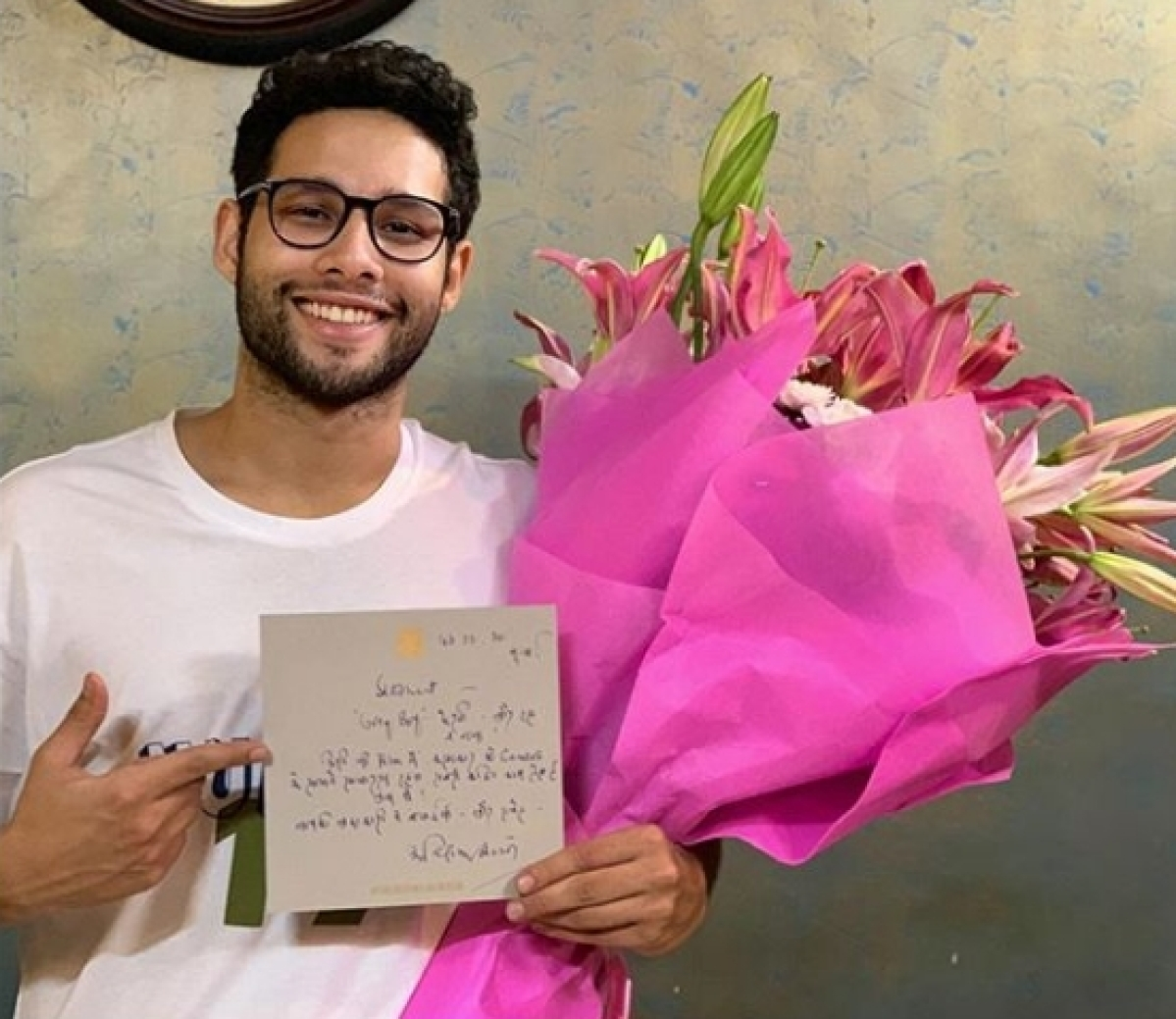 Gully Boy fame Siddhant Chaturvedi pens heartfelt note after receiving letter, flowers from Amitabh Bachchan