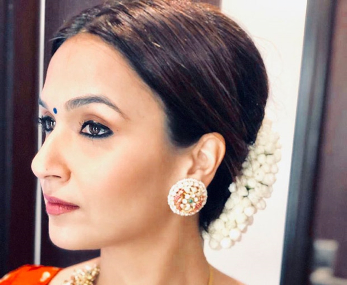 Soundarya Rajinikanth's pre-bridal look will leave you in awe