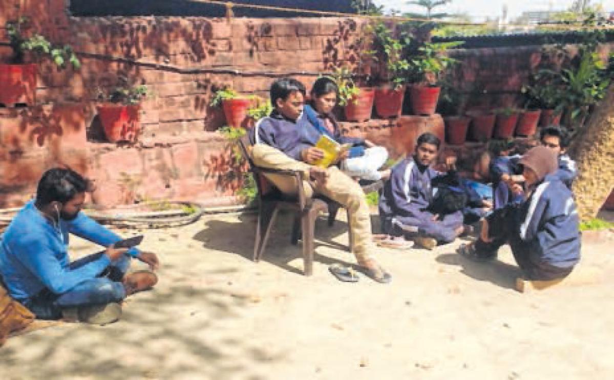 Bhopal: School of Drama students continue stir