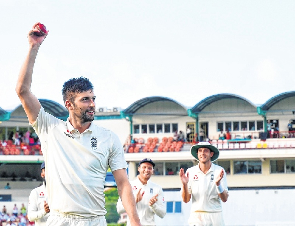 Mark Wood stars in five-wicket rampage; Denly nears fifty as England consolidate