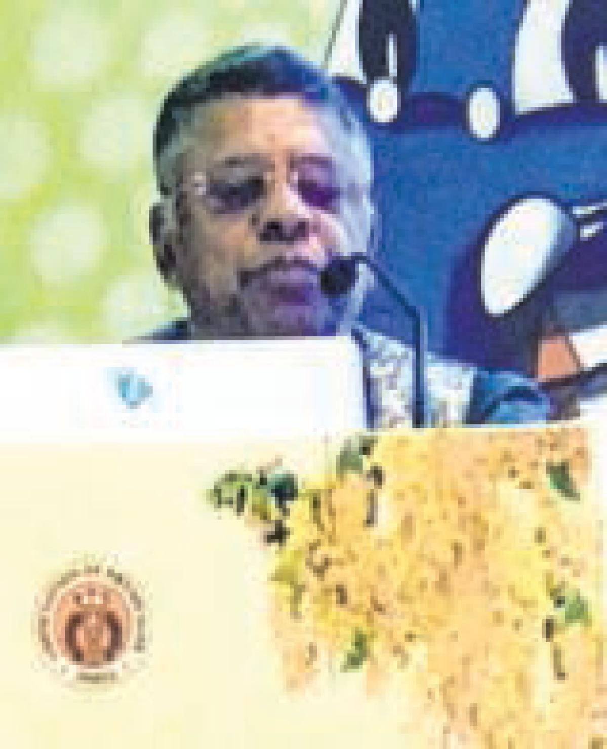 Ujjain: Dr Garg advocates mustard oil as cooking medium