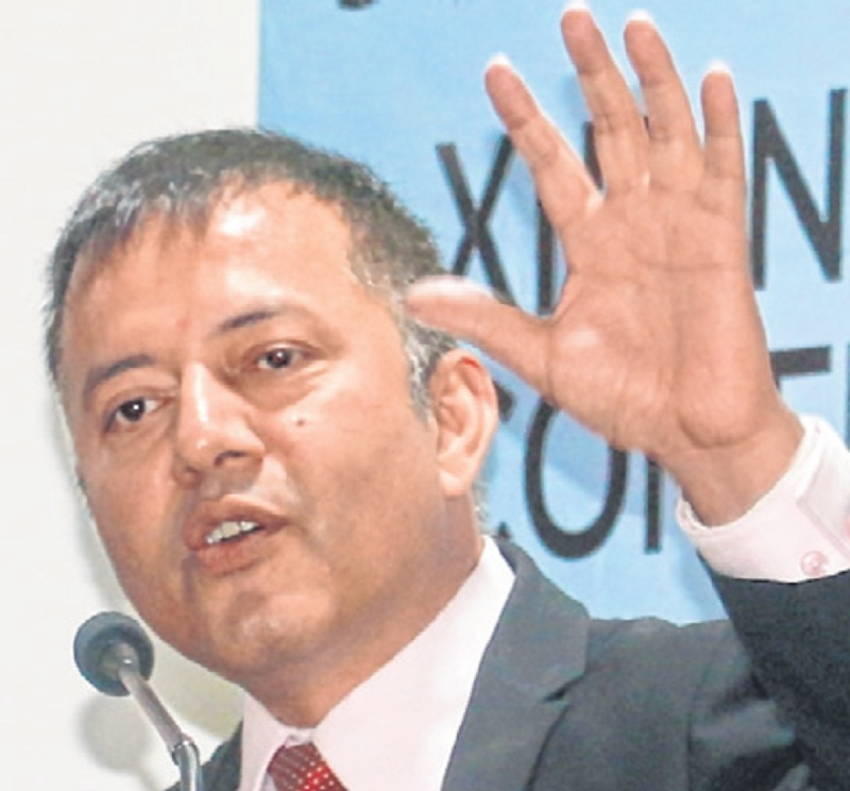 Indore: Live life thinking less about milestones, IIM-I director