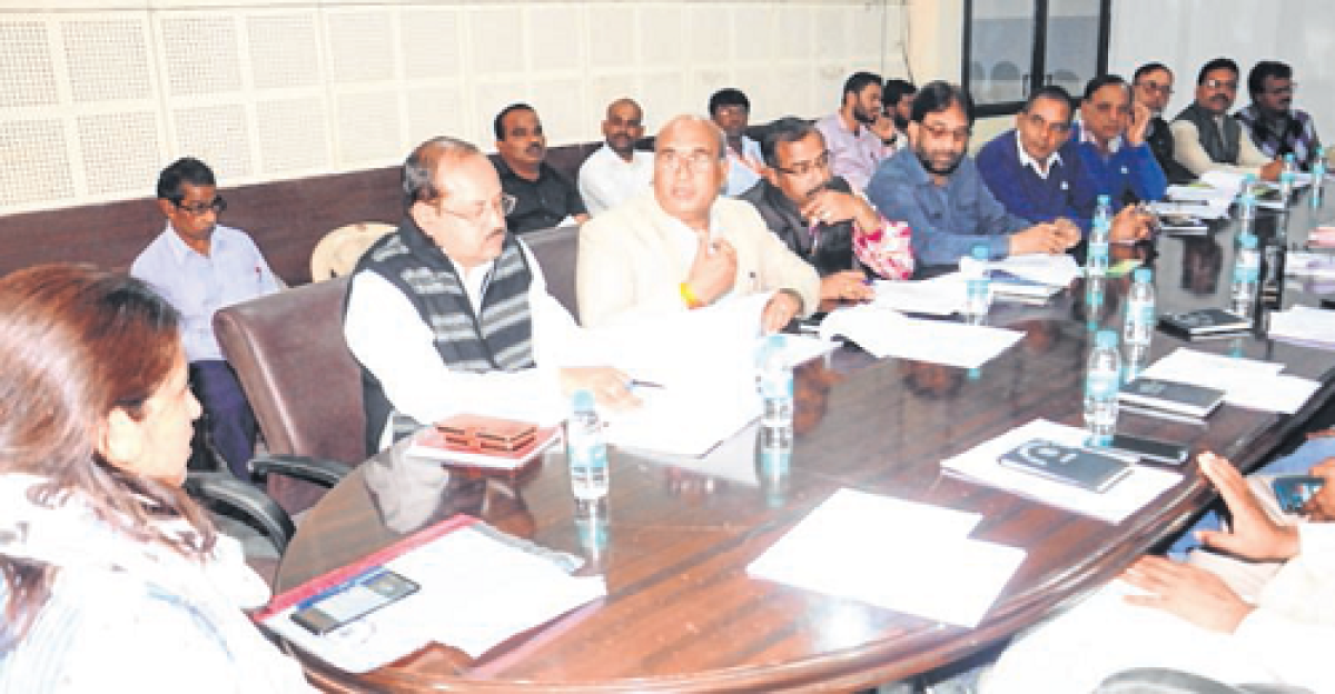 Ujjain: Pratibha Pal instructs officials to redress public grievances quickly