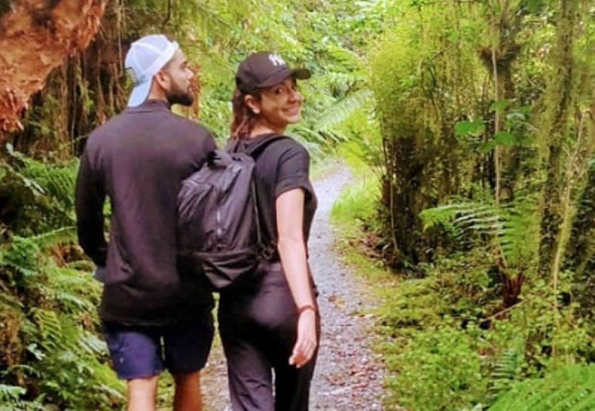 On holiday in New Zealand, Virat Kohli takes a wild walk on a different pitch with Anushka Sharma; See Pic