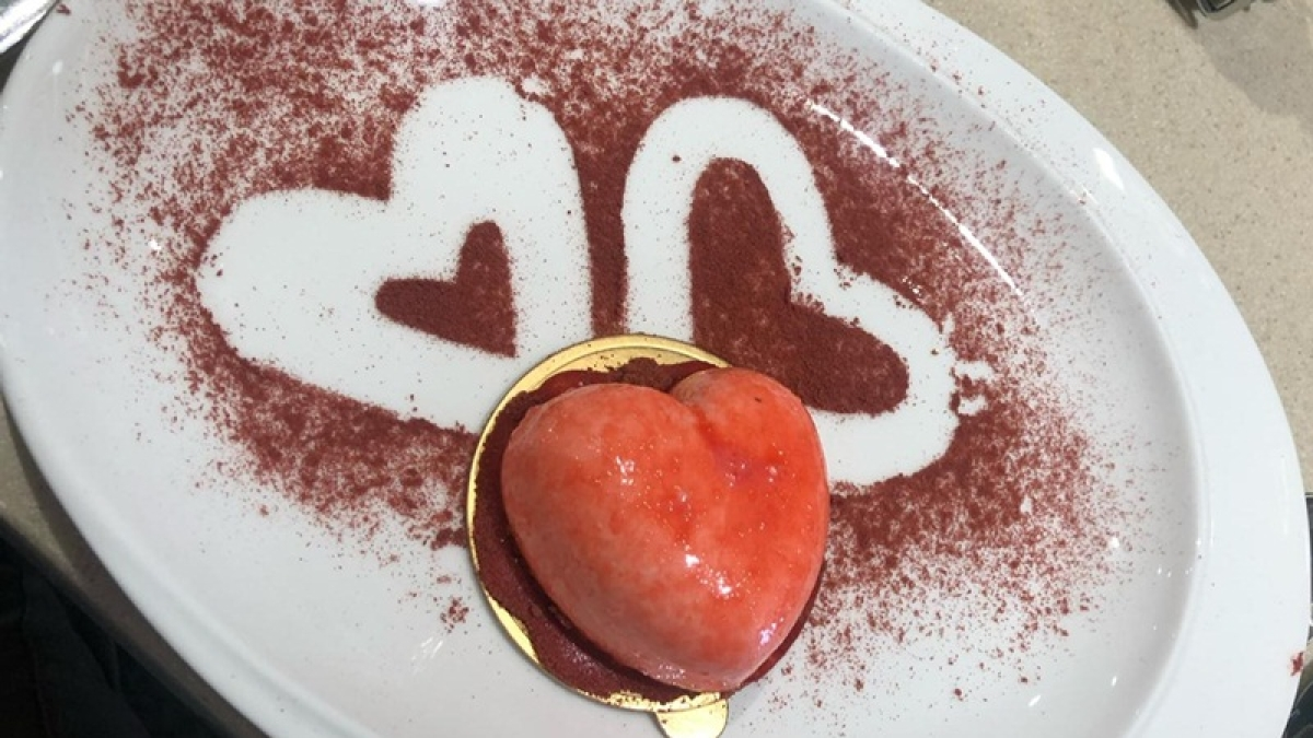 Valentine's Day 2019: From couple quiz to Mills and Boon themed celebration, 15 restaurants in Mumbai for the perfect date