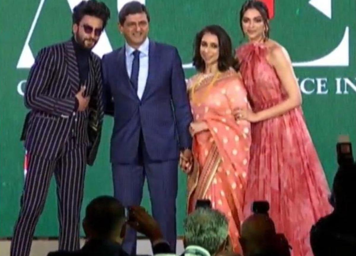 In pictures: Deepika, Ranveer join Prakash Padukone as he receives lifetime achievement award