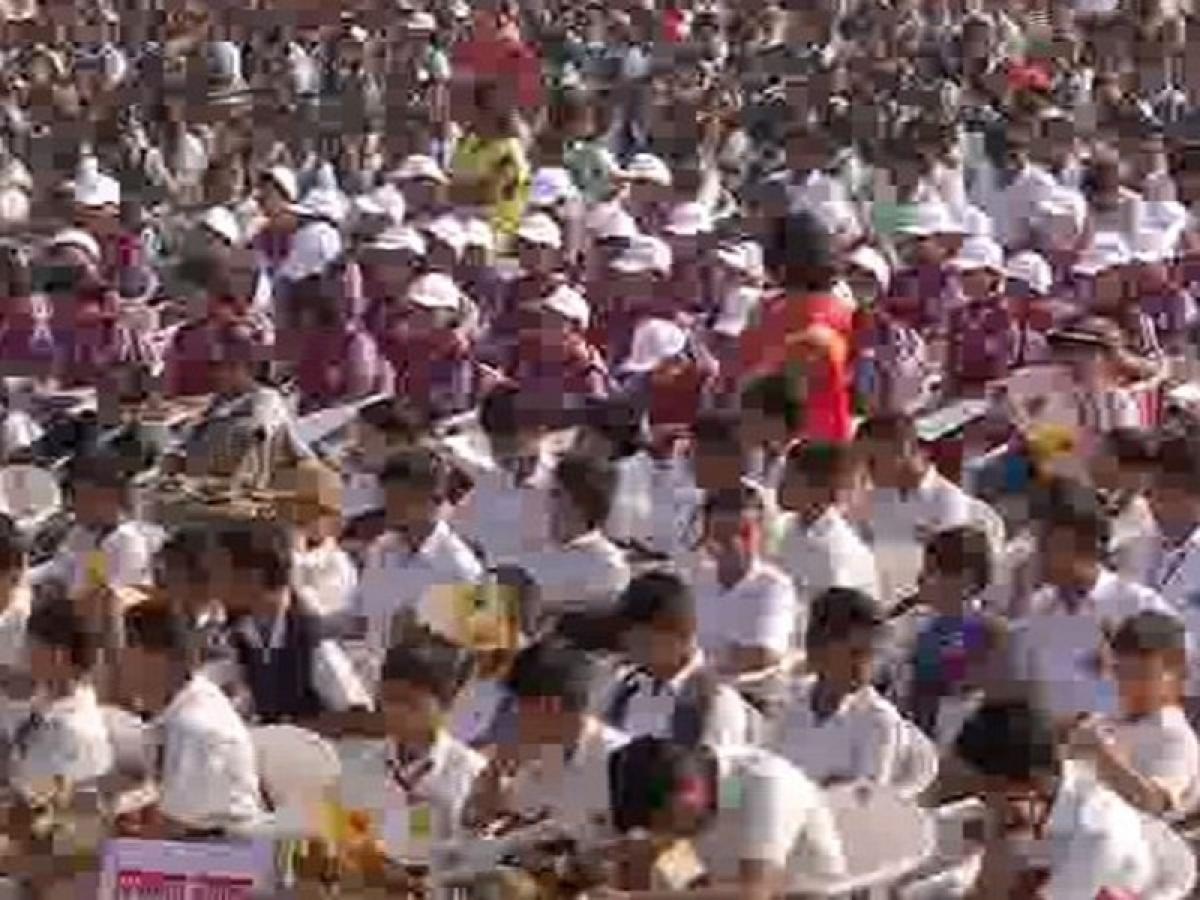 Maharashtra: 21,000 Pune students recite Sanskrit shlokas to set Guinness World Record