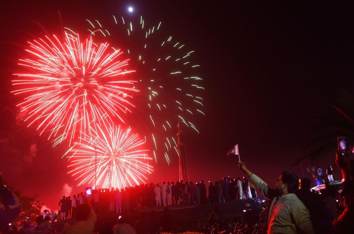Bhopal: High decibel celebrations at BJP office