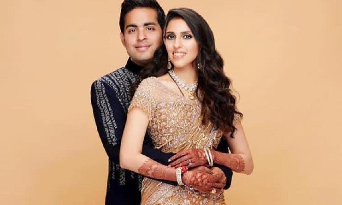 MUAH! Akash and Shloka Ambani share FIRST KISS as a married couple